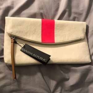 Banana Republic clutch, NWT 🌀